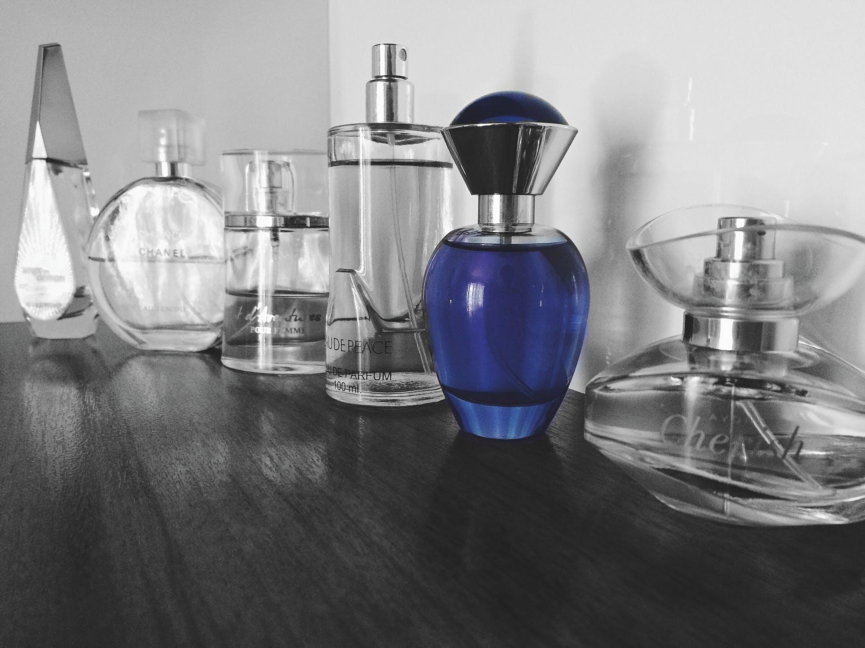 Dibalik Keunikan Botol Parfum